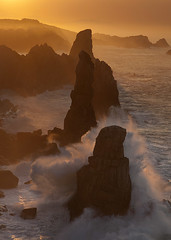 Wild Coast (elosoenpersona) Tags: sunset sea espaa costa beach atardecer coast mar spain rocks waves playa olas santander rocas quebrada cantabrico liencres cantabric arnia urros portio elosoenpersona