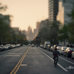 [273] I'll follow the sun. (Linh H. Nguyen) Tags: street new york city nyc sunset bicycle photography bokeh 365 cmount3517