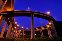Roller Coaster@ (Vincent_Ting) Tags: sky taiwan freeway bluehour  interchange  nantou hightway