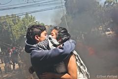 Amor Encapuchado (Ibar Silva) Tags: chile santiago love student amor young movimiento revolution revolucion estudiantes represion encapuchado bulnes piera barricada subversivo combatiente contestatario