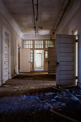 Abandoned State Hospital (AeroFennec) Tags: building abandoned hospital state decay center asylum psychiatric psych