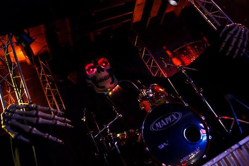 354: Spooky drum riser