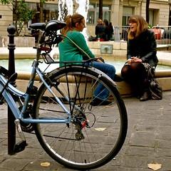 Instantan place de la Sorbonne. (Zagreusfm) Tags: street city people urban paris france place fontaine 5mearrondissement