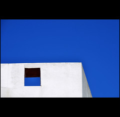 blue/white (klaus53) Tags: blue sky white window wall spain nikon andalucia arcosdelafrontera saariysqualitypictures blinkagain blinkagainfrontpage