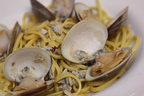 Linguine (Actually Ciriole) and Clam Sauce with Hoegaarden