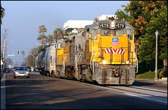 Standard Street Running (greenthumb_38) Tags: railroad morning train earlymorning trains unionpacific locomotive anaheim sled gp switcher wye emd gp151 canon40d westanaheim jeffreybass loa32 costamesajob remotesled anheimwye loa25 loa32r