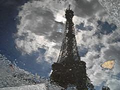 El charco y la torre (armibe) Tags: agua torreeiffel reflejo charco
