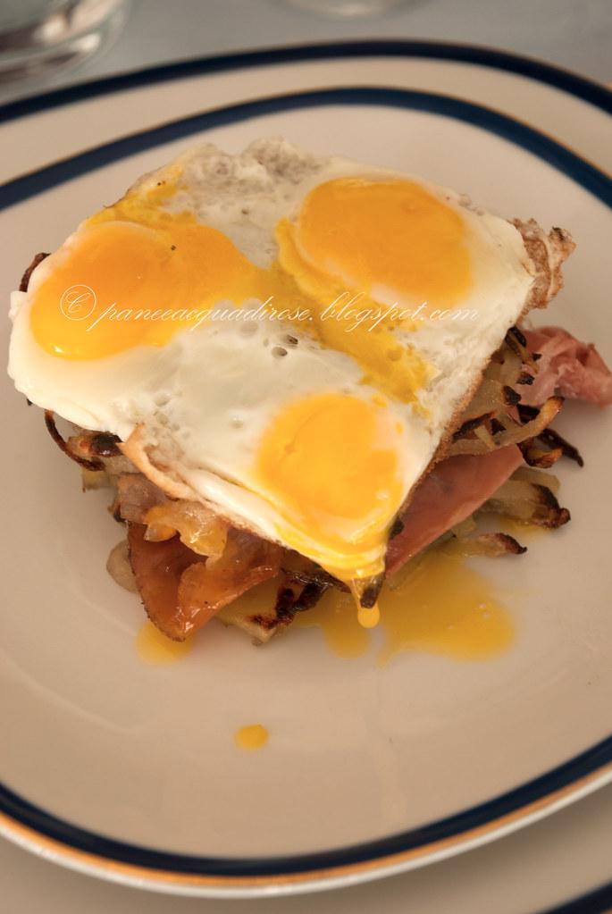 Rosti con speck croccante e uova di quaglia
