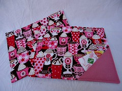 MUG RUG (Simone Dias Artes) Tags: pano artesanato craft tapetinho tecido mugrug simonedias tapetedecaneca