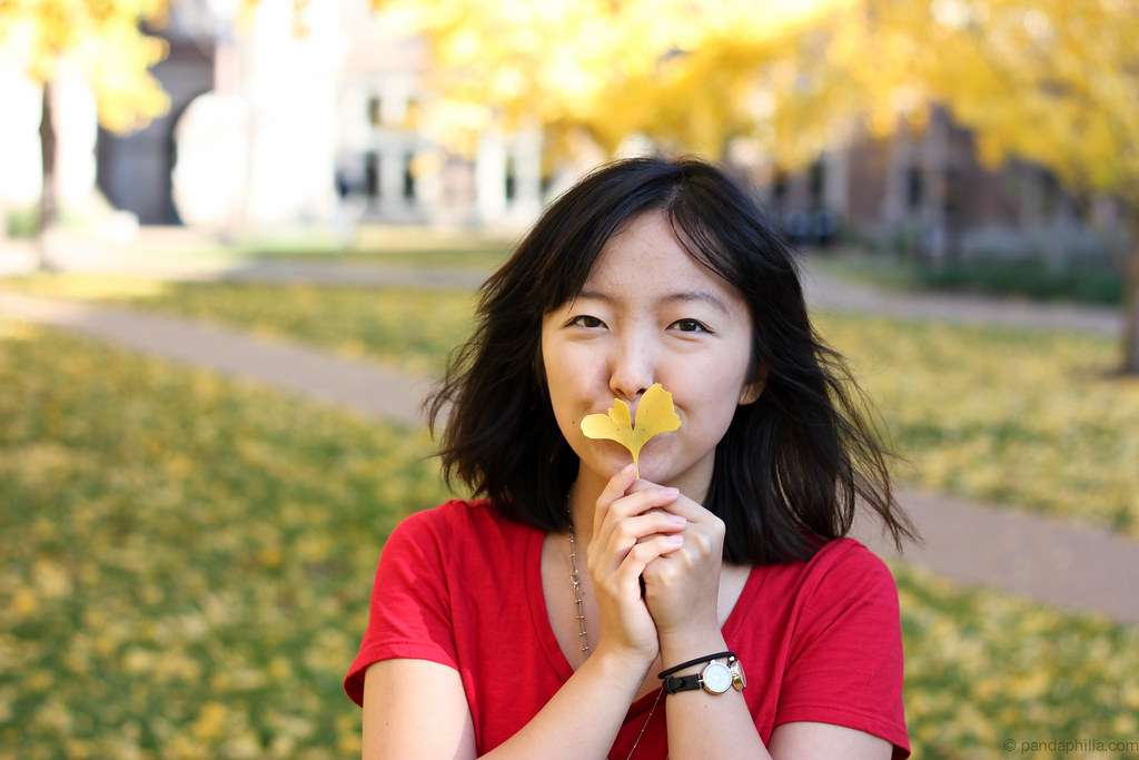 kiss leaf