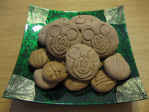 Basic Mickey Mouse cookies