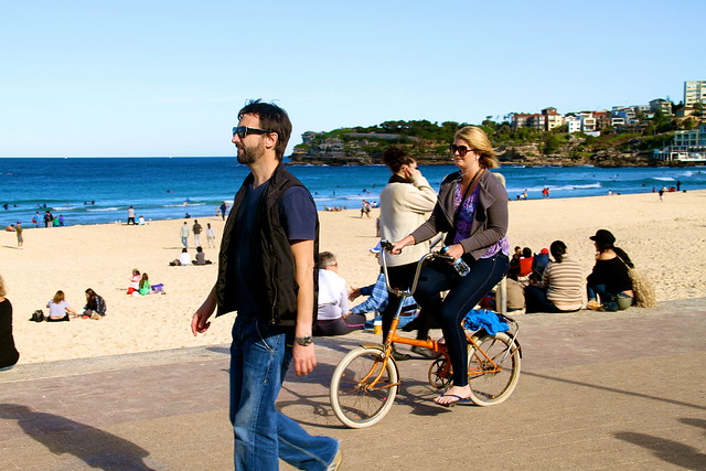 bondi girls on bikes 6650