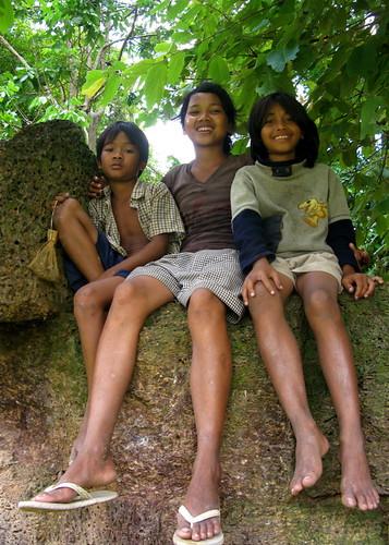 Banteay Srei Children, Angkor
