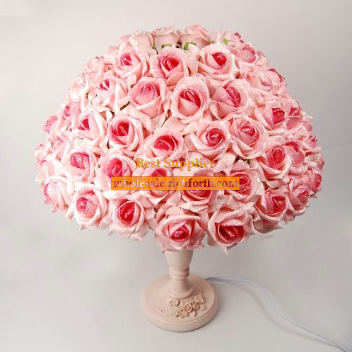 Blooming Roses Table Lamp