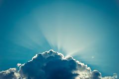 In The Sky With Diamonds (alxmnslv) Tags: light shadow sky luz canon rebel sombra cielo nube t3i cloudsun sigma30mmf14 600d