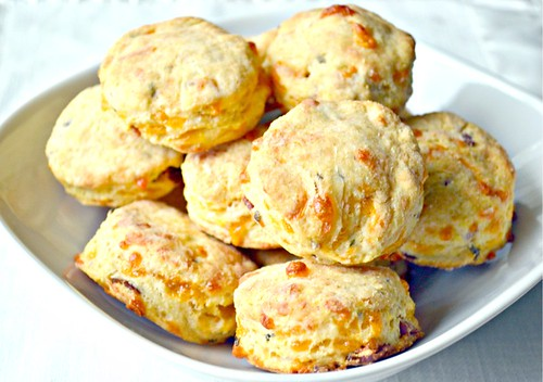 Bacon-Cheddar Cornmeal Biscuits2