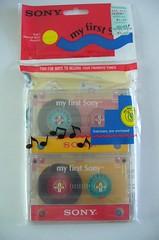 3 cassettes (BeeldenGeluid) Tags: museum radio ads walkman reclame retro gadgets collectie archief objecten beeldengeluid myfirstsony nederlandsinstituutvoorbeeldengeluid