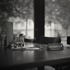 The table by the window (fingerprinz) Tags: zurich kodaktrix1600 leicamp autaut summicron352asph kodakxtolstock9min20 markthalleimviadukt
