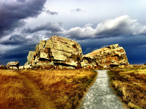 Calgary Daytrips: The Big Rock In Okotoks