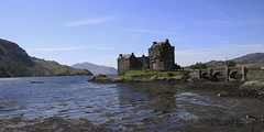Eilean Donnin (Ian Lambert) Tags: castle film scotland tv highlands isleofskye flag highlander location hollywood celtic loch seanconnery eileandonan jamesbond lochalsh a87 dornie lochduich kyleoflochalsh eileandonnin