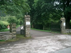 Scargill House entry gate (St. Anthony of Padua) Tags: gate entrance retreat roadsign yorkshiredales cattlegrid kettlwell christianmovement