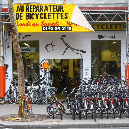 Paris, bike repair shop
