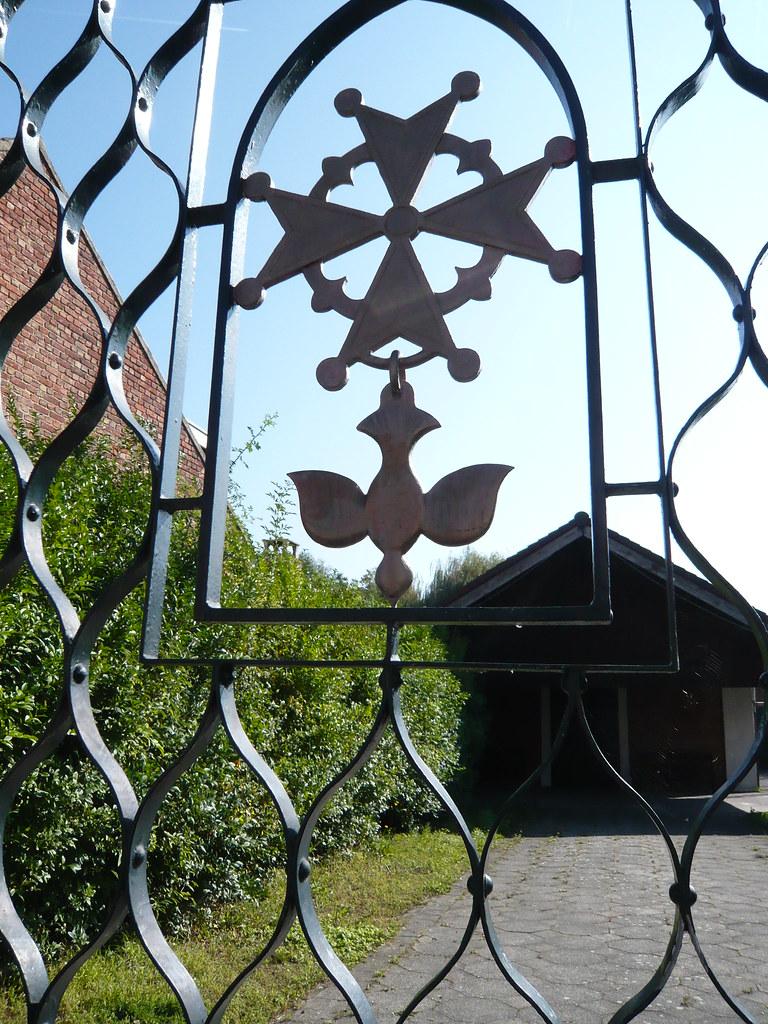 French Huguenot cross - St Amand les Eaux