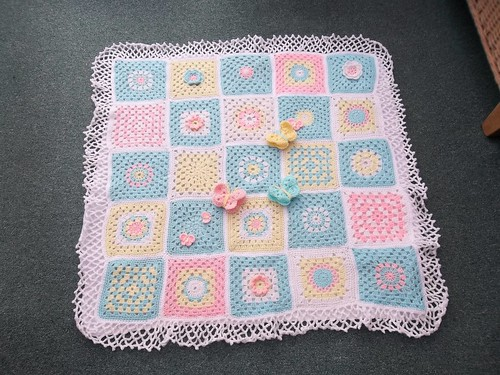 Corien (Netherlands) very kindly donated these beautiful 25 Squares. I do hope you like your Blanket Corien!