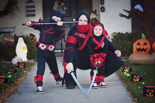 Halloween_3 ninjas pic2 10-31-11