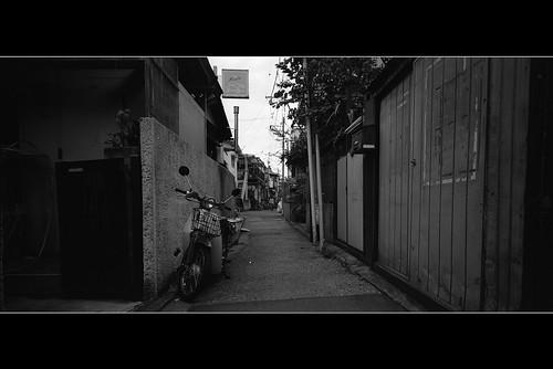 ろじうら by Tang Kenneth