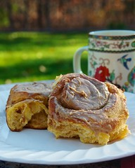 breakfast recipe baking nikon coffeecup plate maplesyrup brioche ratio cinnamonroll americastestkitchen maplebutter michaelruhlman d7000 afsdxvrzoomnikkor18200mmf3556gifedii