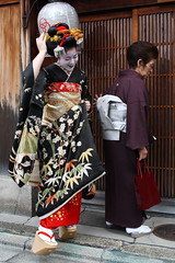 Maiko-san (Teruhide Tomori) Tags: japan kyoto traditional maiko 京都 日本 miyagawacho 宮川町 satoharu 里春