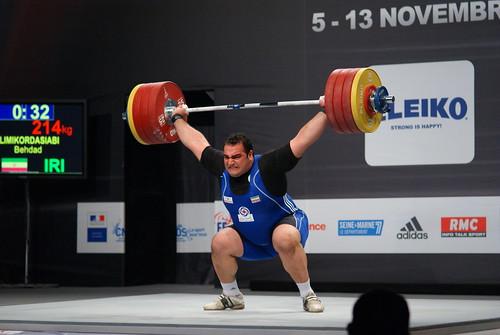 スナッチ世界新記録 214kg