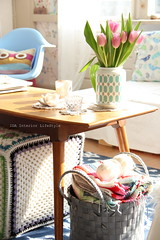 Thursday pics {vintage vase and tulips} (IDA Interior LifeStyle) Tags: pink flowers home colors vintage blog interiors apartment tulips interiordesign styling inspirations thursdaypics interiorstyling idainteriorlifestyle idalifestyle