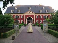 Gate (Paula Satijn) Tags: castle beauty lady garden gold golden tv shiny dress cd silk tgirl tranny transvestite gown satin gurl ballgown