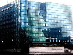 In the mirror (AlessandroDM) Tags: paris defense parigi colorphotoaward