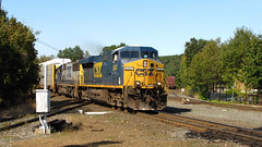 CSX Q264 Eastbound At Palmer. (trainmaniam) Tags: railroad canon daylight is central palmer diamond amtrak mass csx sx20 gevo necr es44 sd502