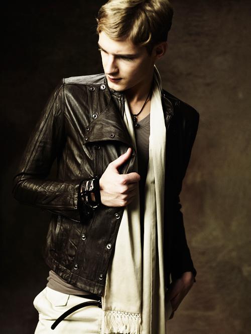 Jesper Larsson0154_GalaabenD SS12 Lookbook(Fashion Press)