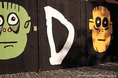 Waiting for Godot II (Miriam Daepp) Tags: barcelona city urban london reflections germany switzerland losangeles citylife streetphotography istanbul lausanne venicebeach bern duesseldorf cityscenes gehryhouse gehryarchitecht
