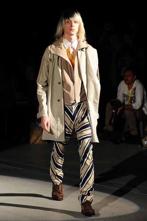 SS12 Tokyo yoshio kubo039_Louis de Castro(Fashion Press)