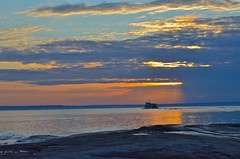 Sunset, Tour boat, Lake Superior (alexanderwrege) Tags: michigan upperpeninsula eddiebauer universityoftoledo picturedrocksnationallakeshore firstascent americanlanguageinstitute nemoequipment nemotents nemomoto nemopentalite nemoobielite