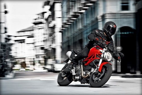 Ducati Monster 795 in action