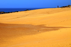 Chapter 7 - Corralejo, the unbereable lightness of the desert (#1): The look-out (stedef) Tags: sea spain mare desert fuerteventura canaryislands spagna deserto corralejo canarie oltusfotos mygearandme playasgrandes