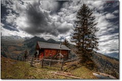 schn gelegene Immobilie II (PhotoArt Hartmann) Tags: canon eos austria sterreich jan htte wolken sigma 7d alpen 1020mm hartmann photoart hdr gebirge kaprun schn immobilie gelegene 100commentgroup