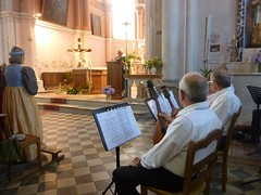 Messe du Dimanche à l'église de Bastelica : accompagnement aux mandolines