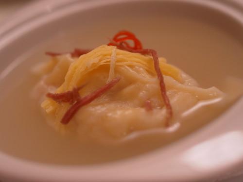 櫂湯魚翅餃