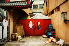 Graffiti, Incheon, Korea (Seven Seconds Before Sunrise) Tags: wood travel streetart trash bag graffiti bottle garbage asia chinatown cook coke korea chef cocacola southkorea crate incheon hangul chilsungcider