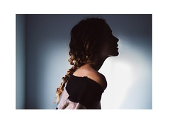 Lightweight. (Melania Brescia) Tags: shadow