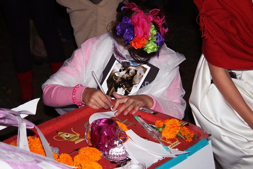 Day of the Dead_girl writing