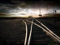 aqui empieza el infierno (saul landell) Tags: mexico tren frontera ferrocarril vias labestia sueoamericano saullandell beredas blinkagain centromanerica